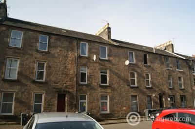 Property to rent in 13C Bruce Street, Stirling, FK8 1PD