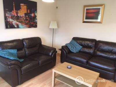 Property to rent in Robson Grove