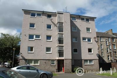Property to rent in George Street, Paisley.