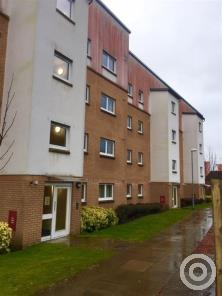 Property to rent in Lennox Gate Dalreoch Place Dumbarton