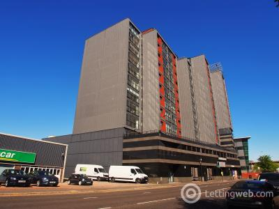 Property to rent in 72 Lancefield Quay