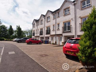 Property to rent in 23 Parklands Oval Crookston