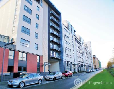 Property to rent in Glasgow Harbour Terrace