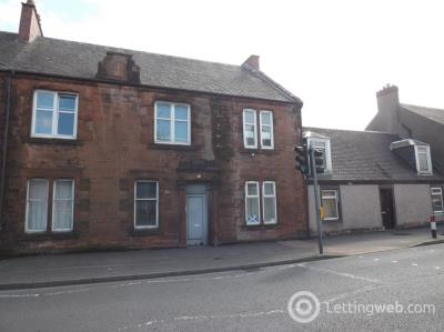 Property to rent in Flat 1/2 43 West Main Street, Darvel