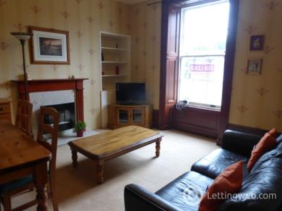 Property to rent in Victoria Street, Aberdeen