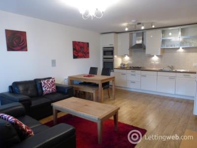 Property to rent in Queens Crescent, Aberdeen