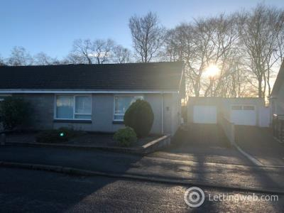 Property to rent in Middleton Crescent