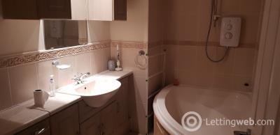 Property to rent in 46 G/R 46 Esslemont