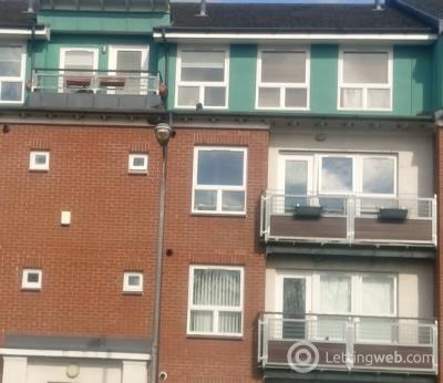 Property to rent in Modern Two Bedroom Second Floor Furnished Flat in Glasgow West Anniesland