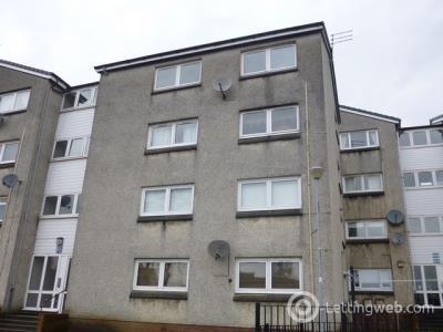 Property to rent in Large Unfurnished Two Bedroom Third Floor Flat in Barrhead East Renfrewsire