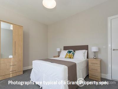 Property to rent in Haymarket Terrace, Edinburgh