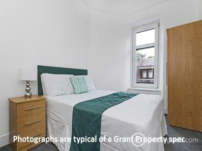 Property to rent in Morningside Drive, Edinburgh