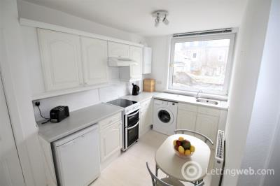 Property to rent in 126A Rosemount Place