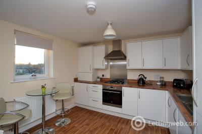 Property to rent in 15 Urquhart Court 105 Urquhart Road