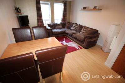 Property to rent in Flat A 2 Ashvale Court
