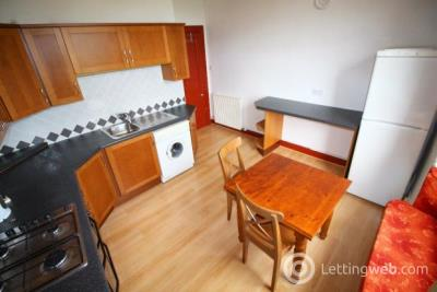Property to rent in 14 Northfield Place 2FR