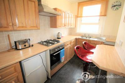 Property to rent in 79 Hilton Road