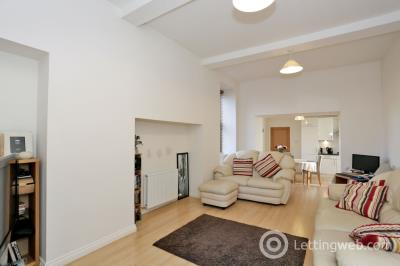 Property to rent in 4 Woodlands Crescent