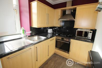 Property to rent in 11 Rosemount Viaduct, Aberdeen
