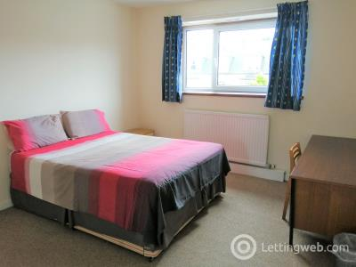 Property to rent in 154A Great Northern Road