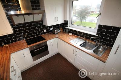Property to rent in 36 Raeden Place