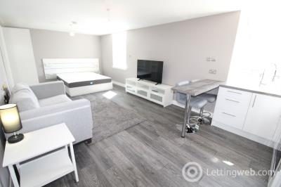 Property to rent in 38 Charlotte Street