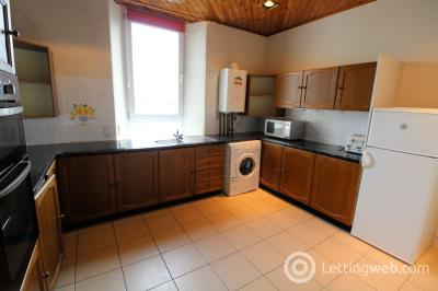 Property to rent in 565 Great Western Road