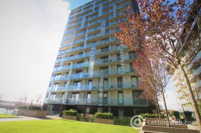 Property to rent in Meadowside Quay Walk, Glasgow Harbour, Glasgow, G11 6ED