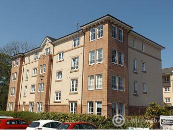 Property to rent in Ellangowan Court, Milngavie