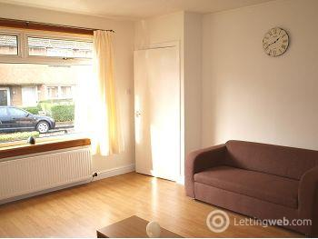 Property to rent in Gilmerton Dykes Avenue, Edinburgh               Available 14th October