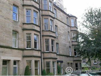 Property to rent in Bruntsfield Gardens, Edinburgh               Available 25th October