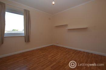 Property to rent in Ravenswood Avenue, Edinburgh          Available 4th March