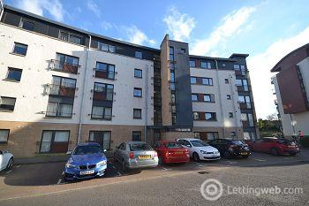 Property to rent in East Pilton Farm Crescent, Edinburgh               Available 8th April