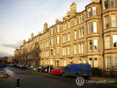 Property to rent in Comely Bank Avenue, Edinburgh         Available 19th December