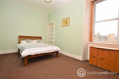 Property to rent in Dean Park Street, Edinburgh        Available: Now