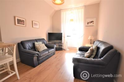 Property to rent in Stewart Terrace, Edinburgh   Available 17th December