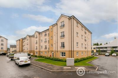 Property to rent in Fairfield Gardens, Edinburgh  Available 20th November