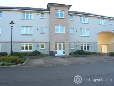 Property to rent in 11 Ladeside Apartments