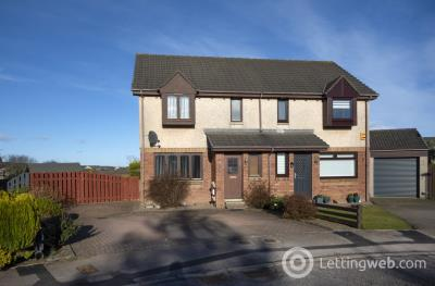 Property to rent in Creel Drive