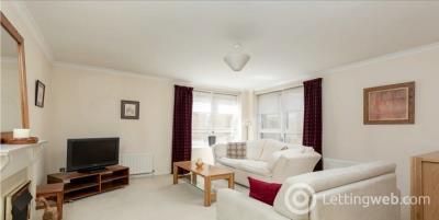 Property to rent in Dicksonfield, Edinburgh, EH7