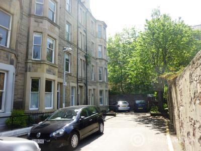 Property to rent in Viewforth Gardens, Bruntsfield, Edinburgh, EH10