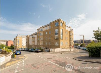 Property to rent in Dicksonfield, Leith, Edinburgh, EH7