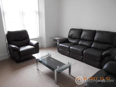 Property to rent in Chapel Street 1588
