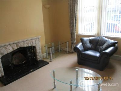 Property to rent in Victoria Road 2248