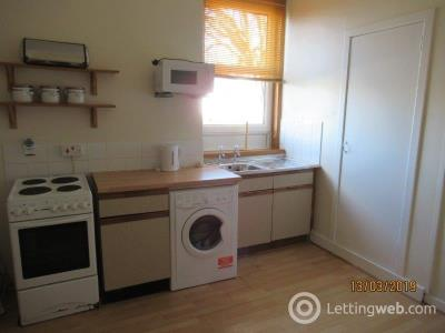 Property to rent in Bank Street, Woodside - Self Contained