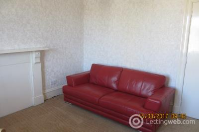 Property to rent in King Street 1553