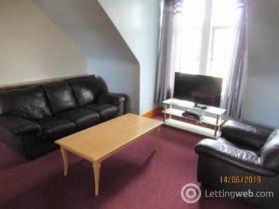 Property to rent in Forest Avenue