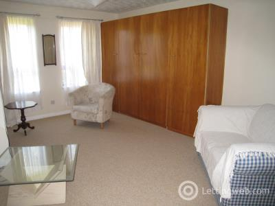 Property to rent in Allison Close