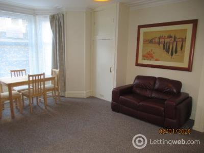 Property to rent in Fonthill Road 0732