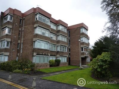 Property to rent in Marlborough Court